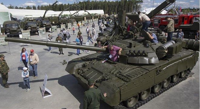 Patriot Park: Russian Military Large as Life | Guided tour | Mos-Tour